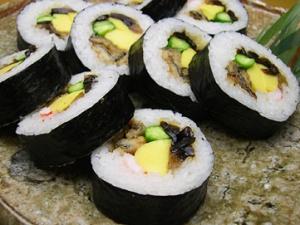 japan sushi futomaki Essential Japan Sushi Guide